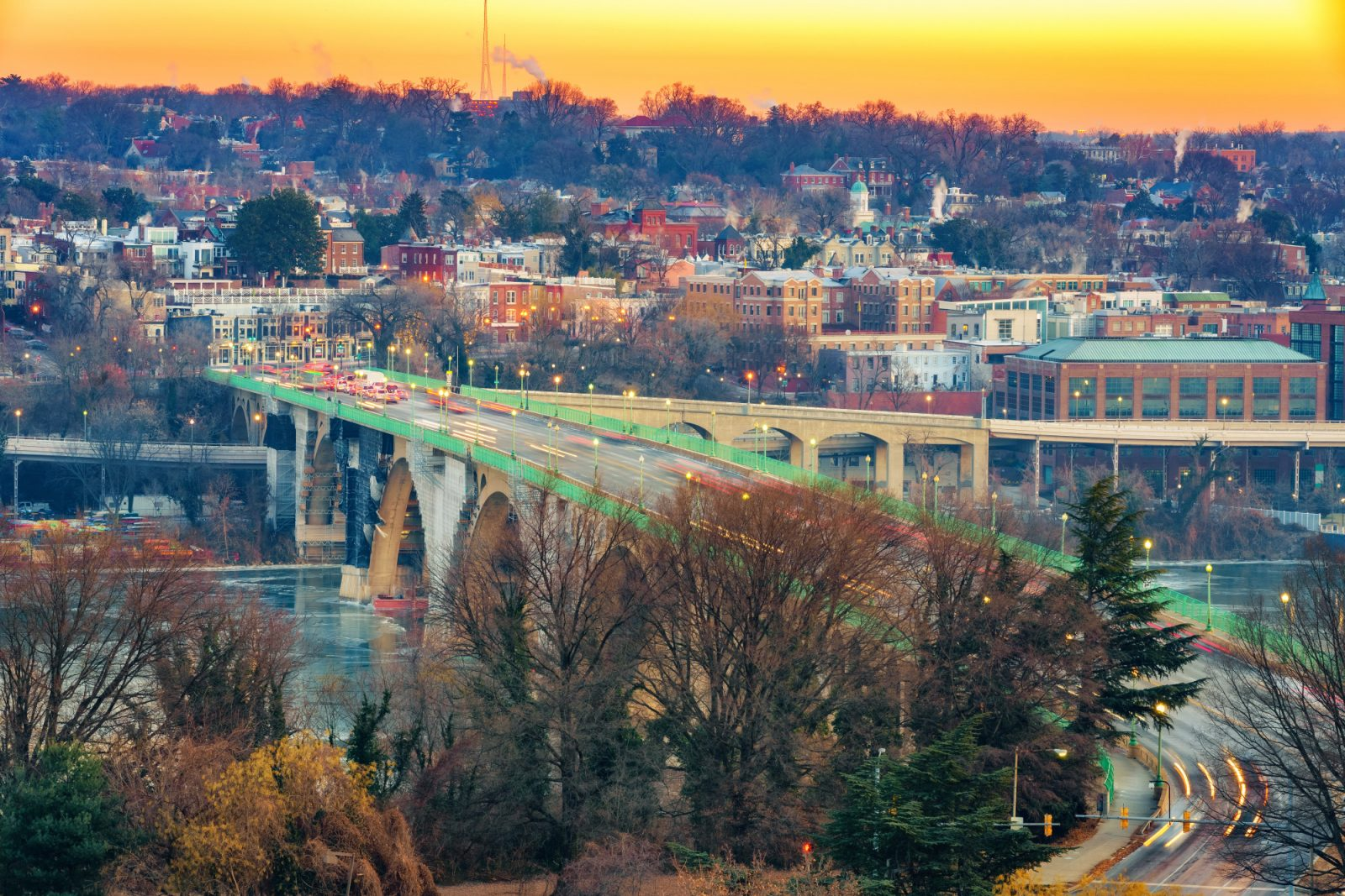 A beautiful picture of Washington, DC to highlight both the pros and cons for moving to Washington, DC and the surrounding areas.